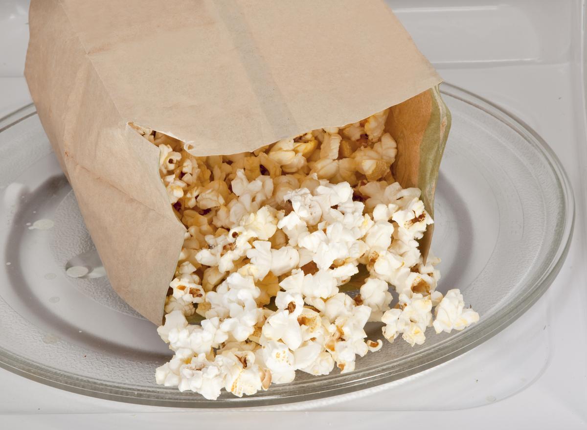 popcorn bag in microwave