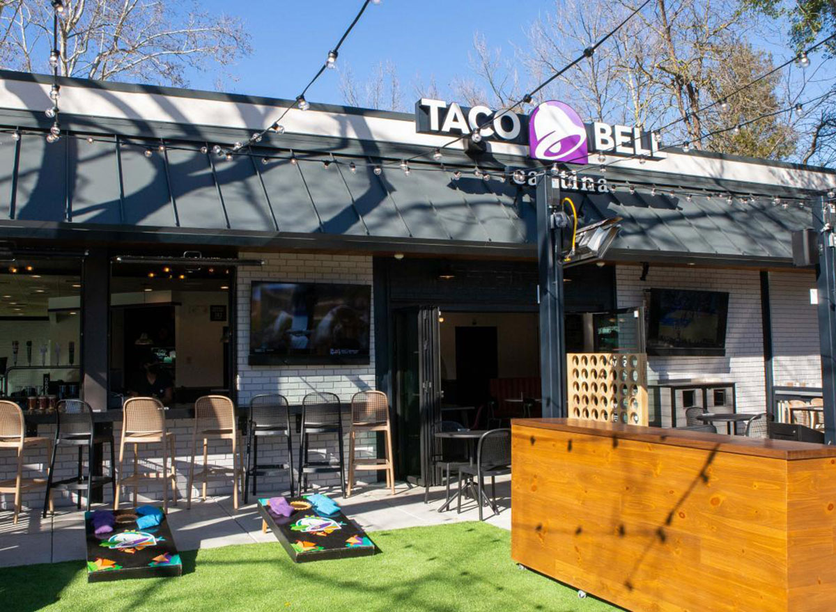 taco bell outdoor area