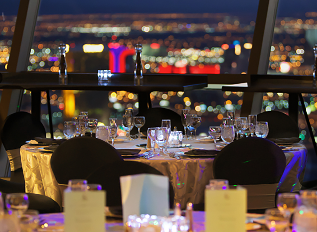cocktails at top of the world in las vegas