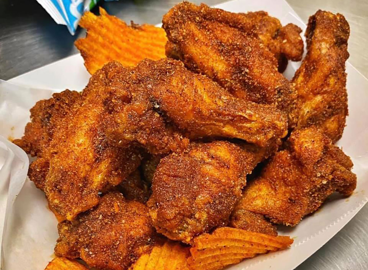 chicken wings and paprika spiced chips