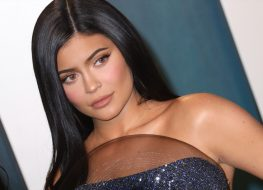 Kylie Jenner Shares Crop Top Photo and New Workout