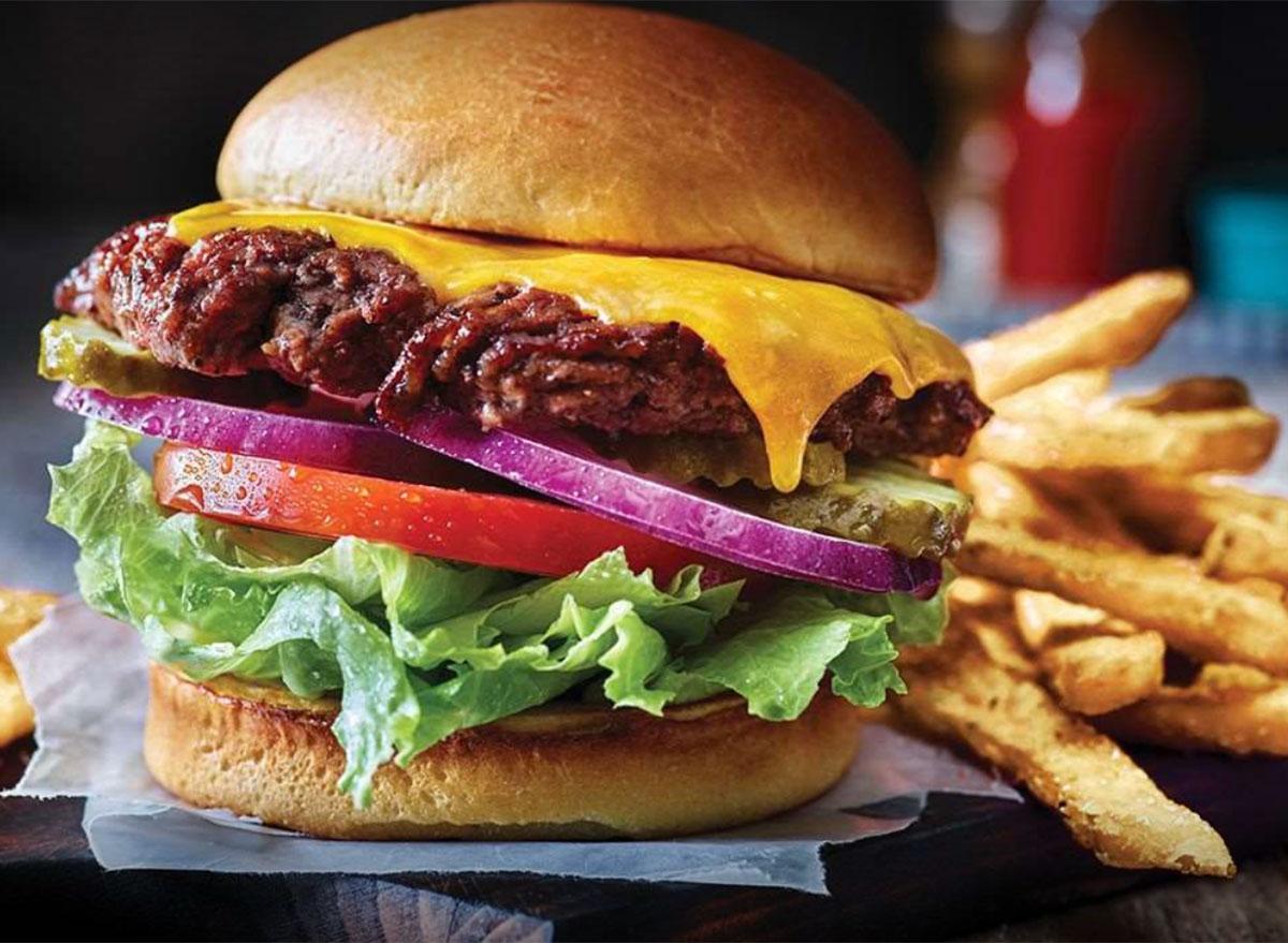 applebees classic cheeseburger