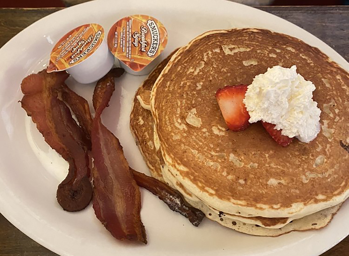 bacon with pancakes