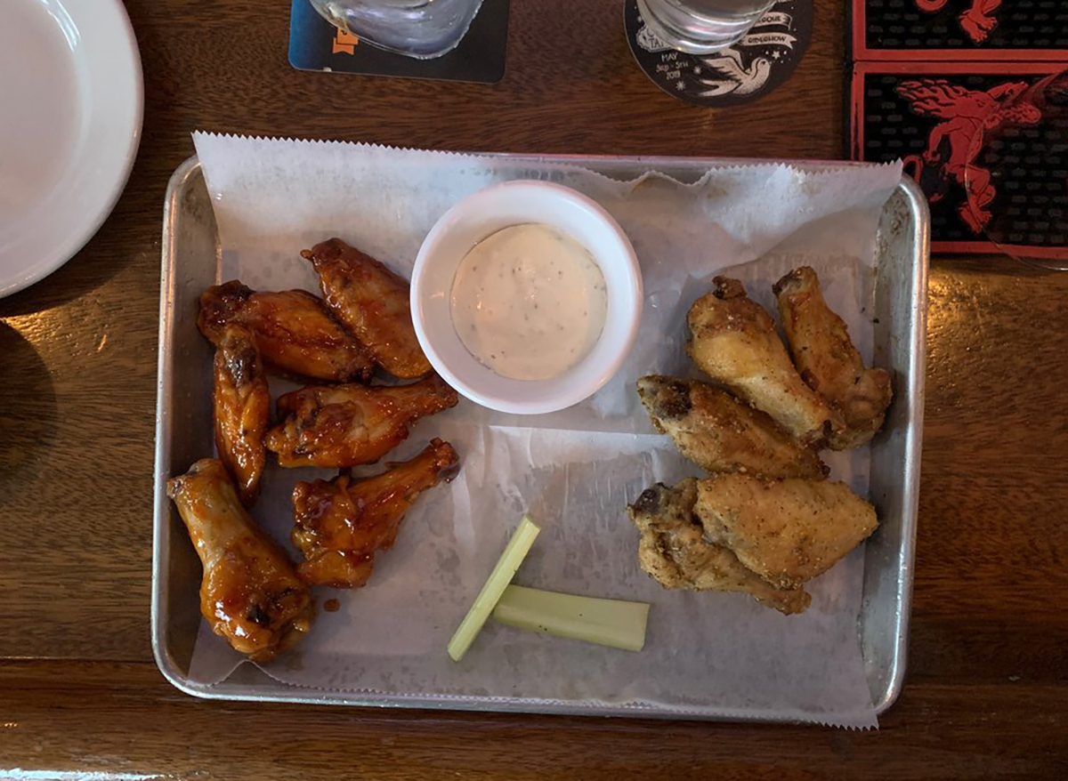 baked wings with sauce