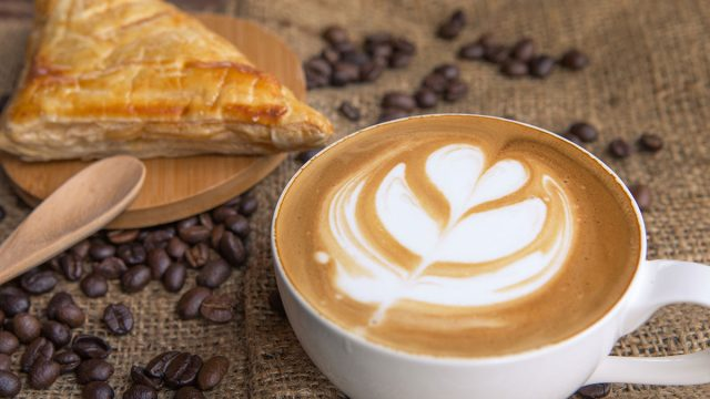 latte with bread