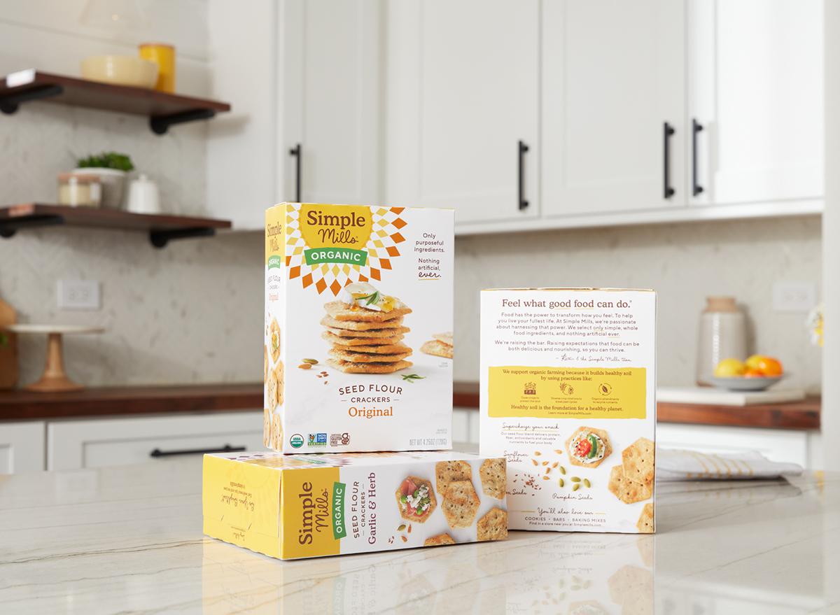 simple mills organic crackers