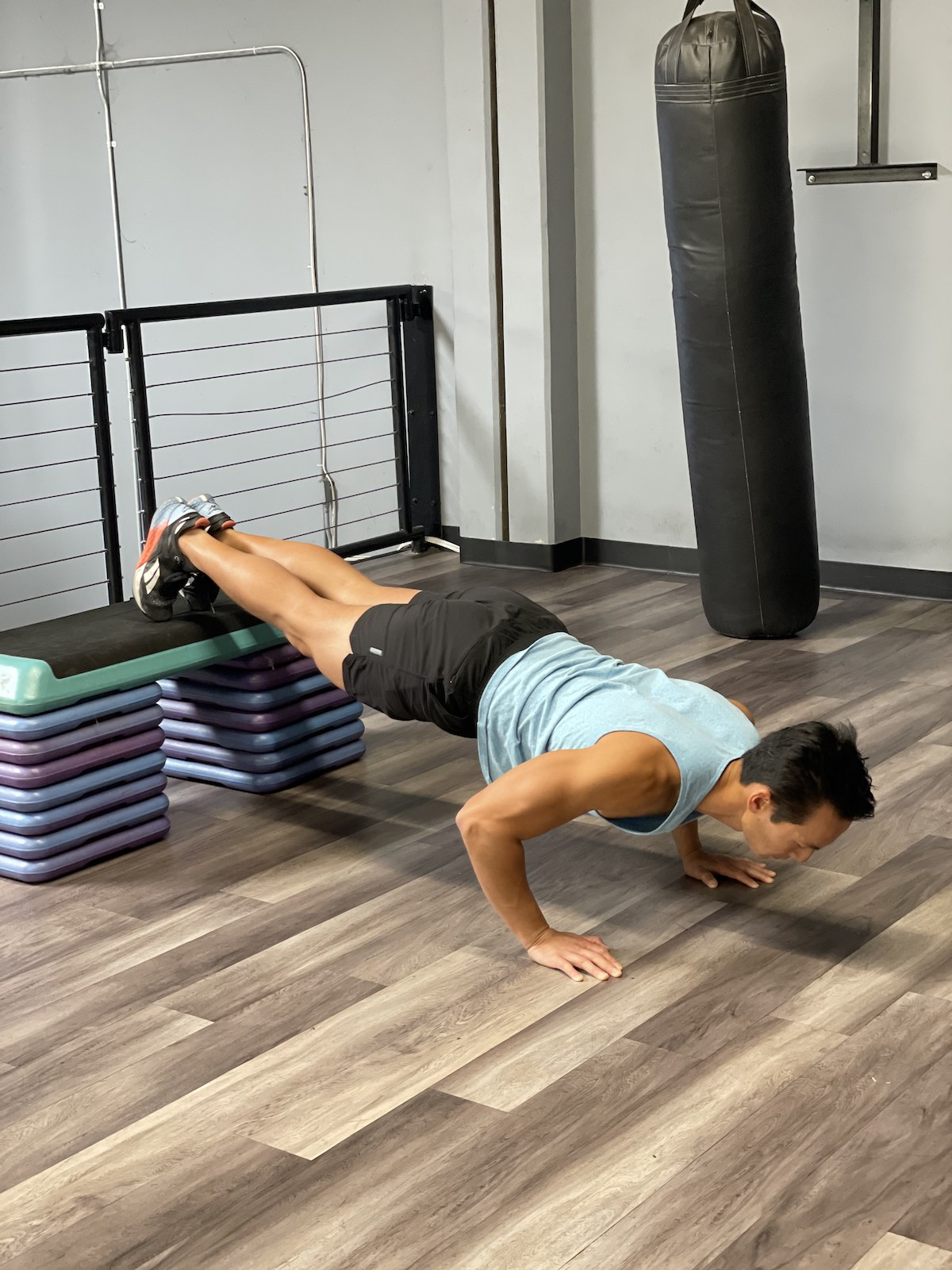 proper pushup form for a harder elevated pushup