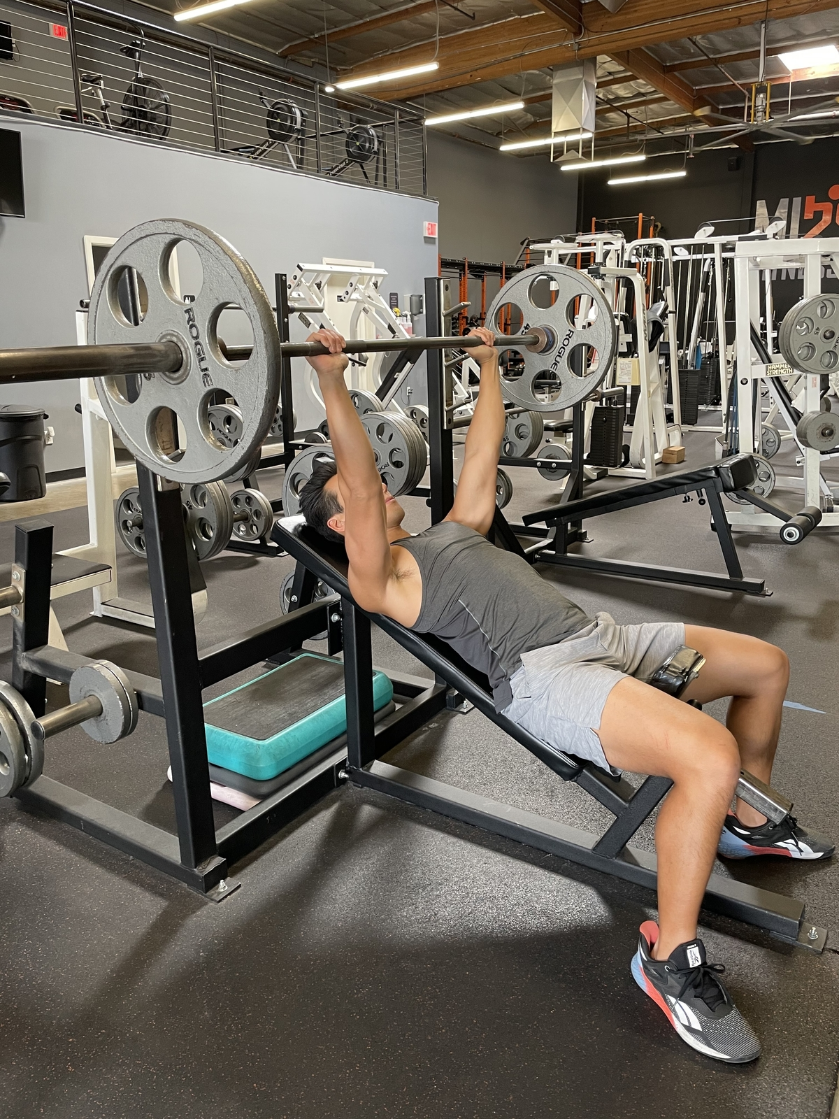 13 - Incline barbell bench press