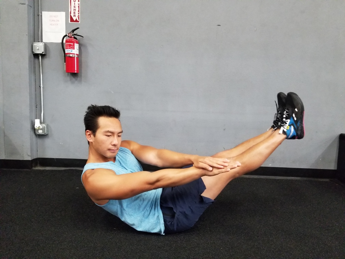 V Twist abs exercise