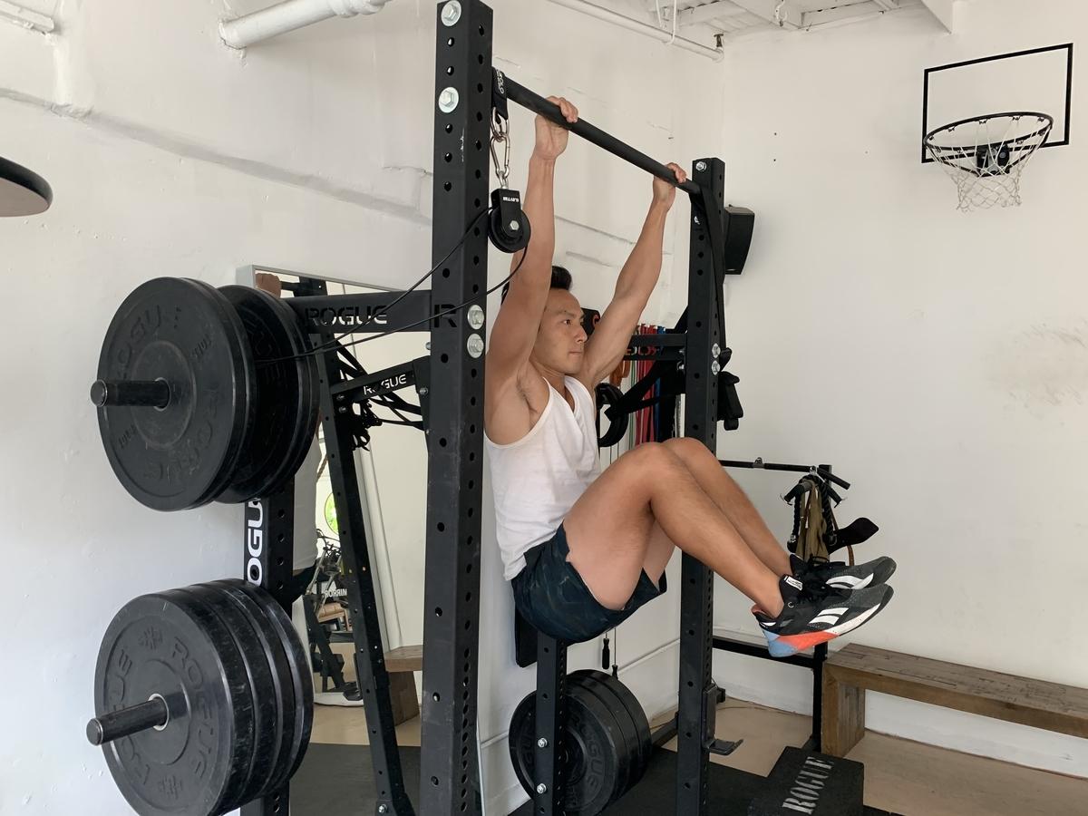 3 hanging knee raise