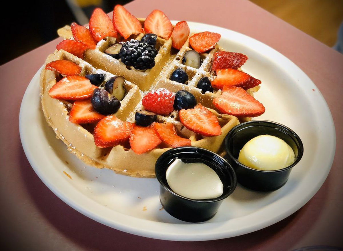 michigan omelette waffle cafe