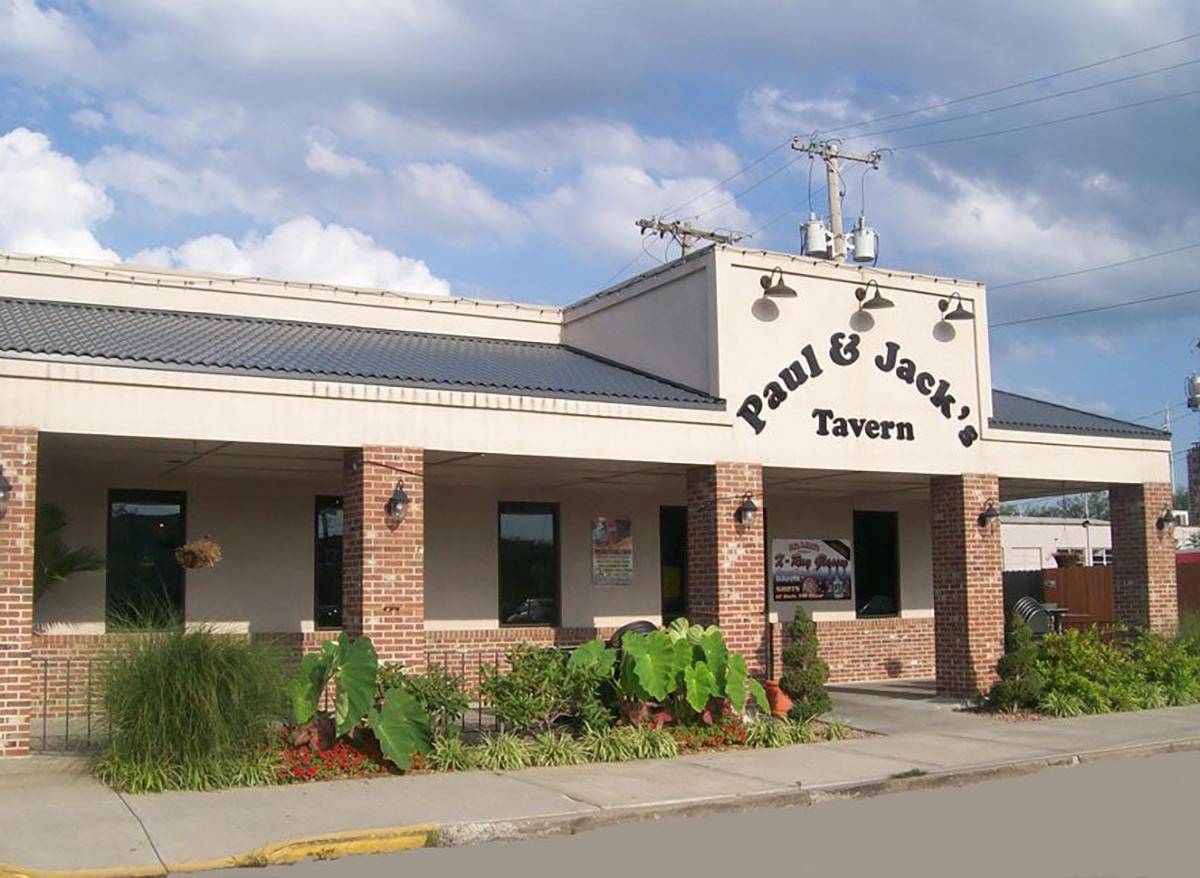 exterior of paul and jacks tavern