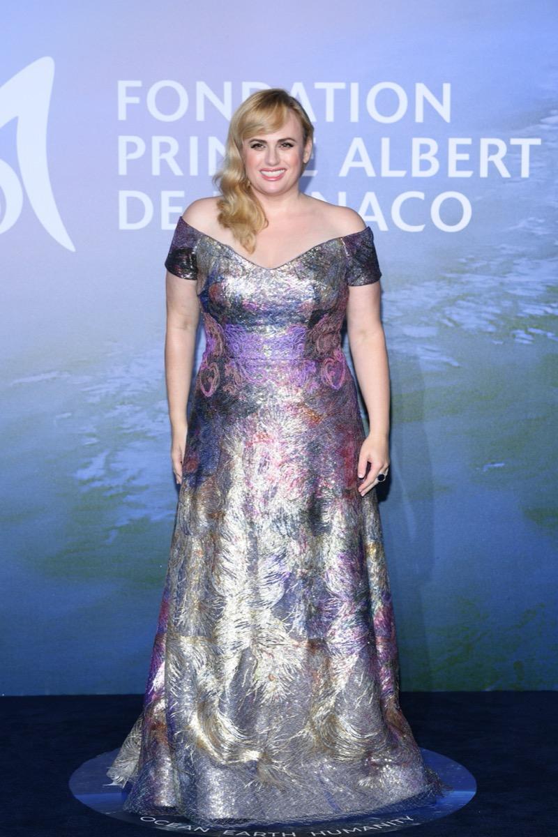 rebel wilson shiny dress