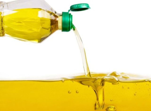 Cooking With This Oil Lowers Heart Disease Risk and Cholesterol, New Study Says