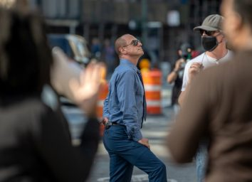 christopher meloni standing outside on a city street