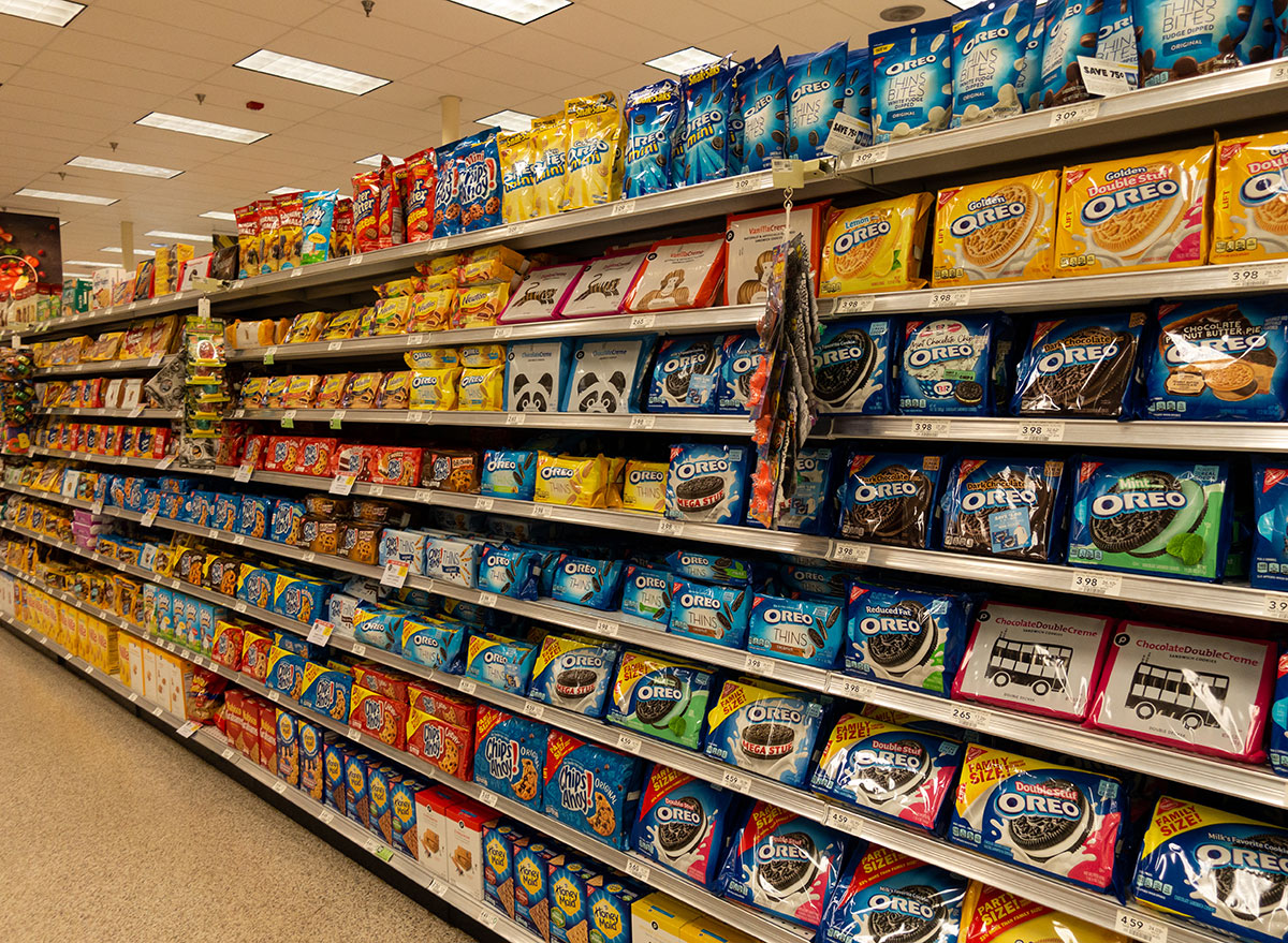 cookie aisle grocery store