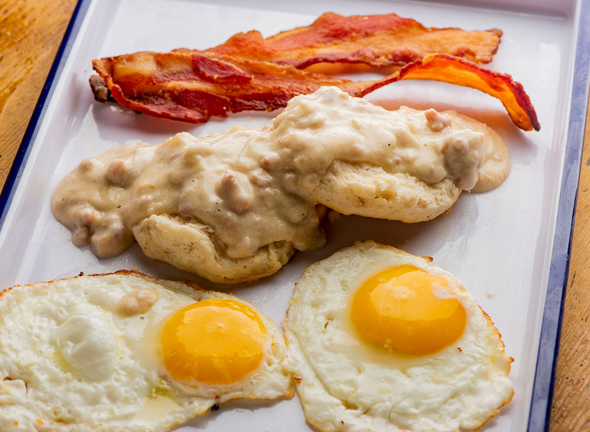 eggs bacon biscuits gravy