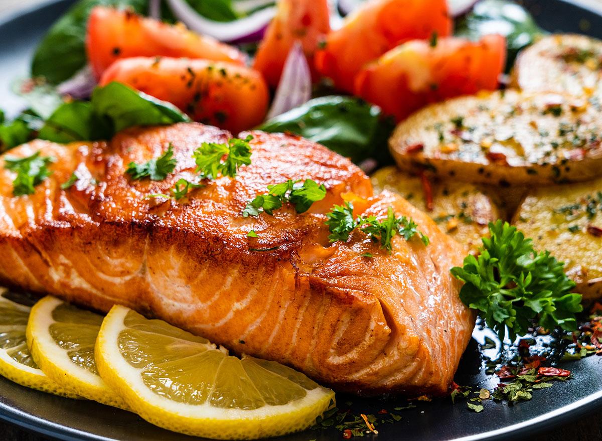 grilled salmon vegetables