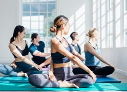 morning yoga benefits woman doing yoga