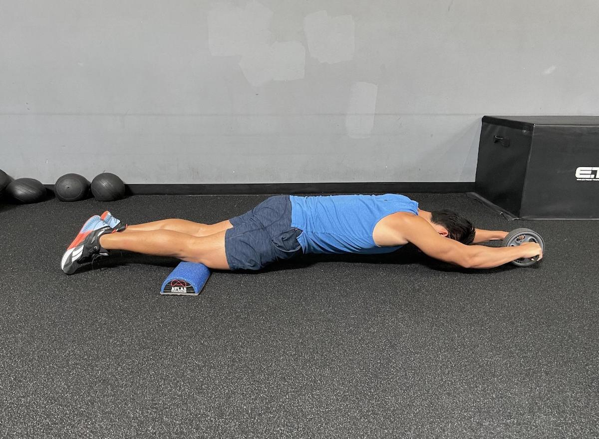 abs-wheel-exercise-move