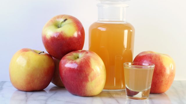 Apple cider vinegar apples shot
