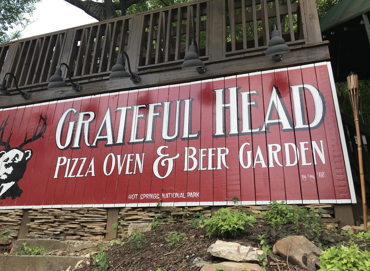 arkansas grateful head pizza