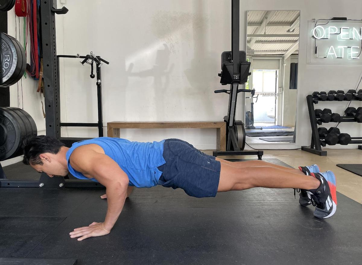 how to do a traditional pushup