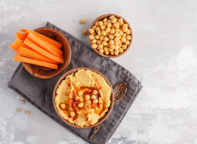 hummus carrots