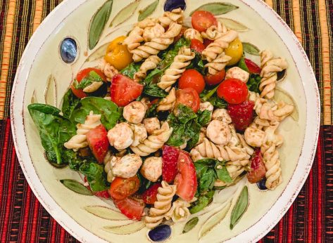mediterranean caprese pasta salad