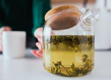pouring green tea