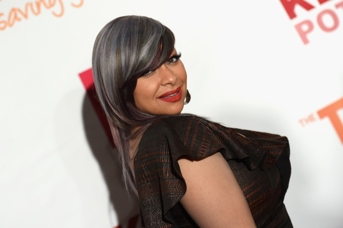 raven symone with gray hair on the red carpet