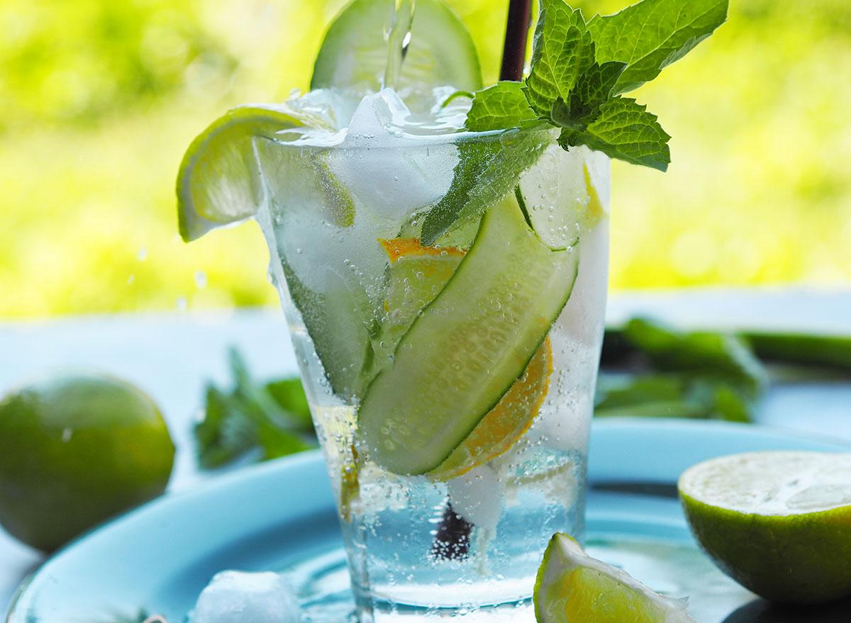 cucumber lime fizz