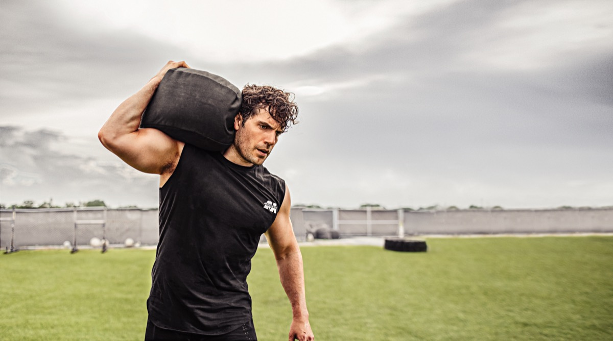 Henry Cavill working out