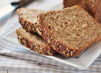 whole wheat bread slices