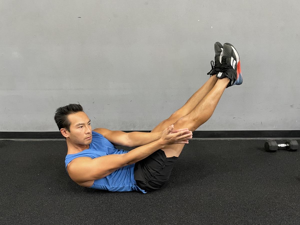V Twist exercise
