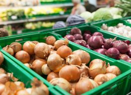 Onions From These Popular Brands Are Being Recalled After 200 People Were Hospitalized