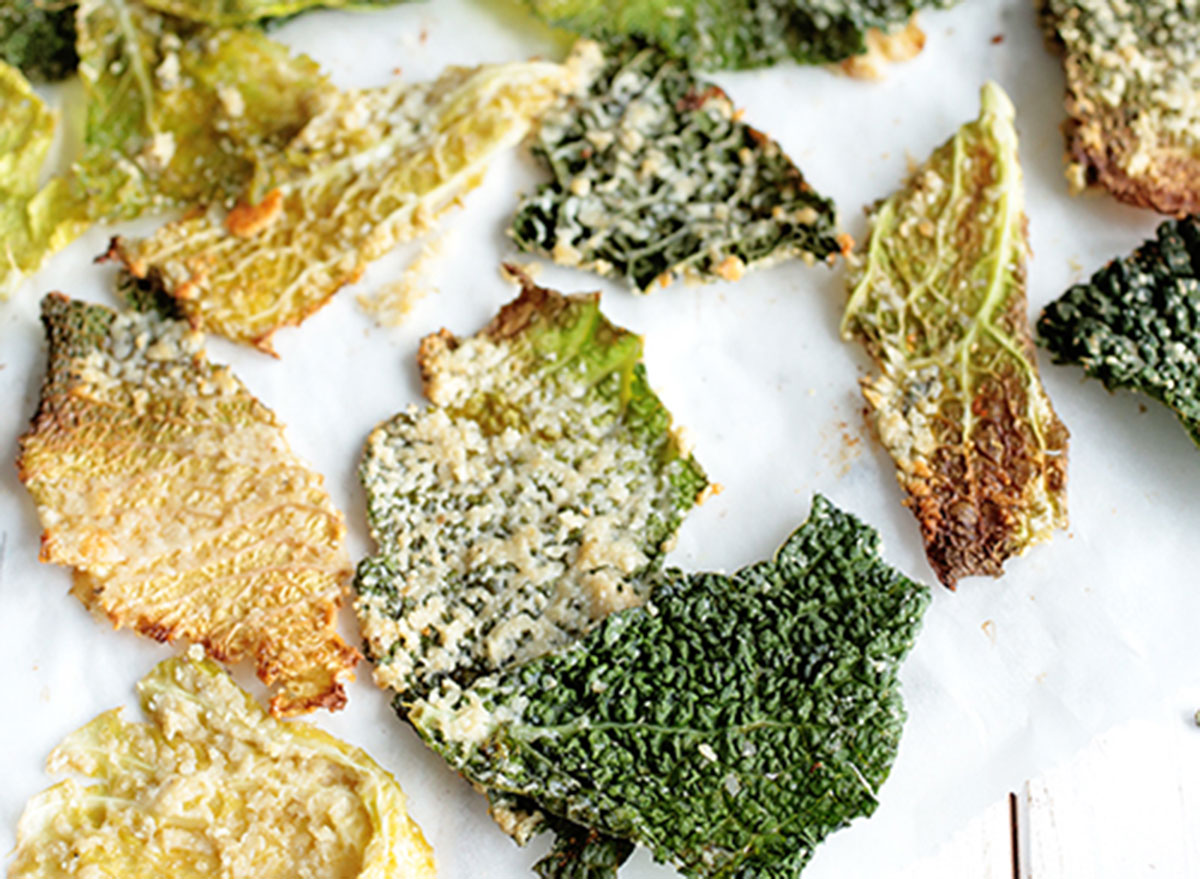 cheesy savoy cabbage chips