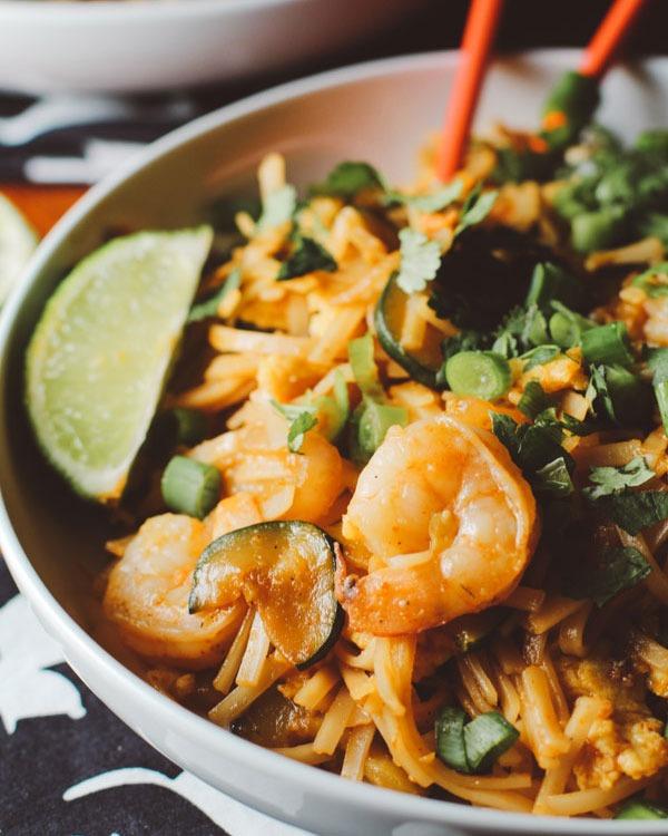 Shrimp recipes Spicy Sriracha Shrimp Noodles