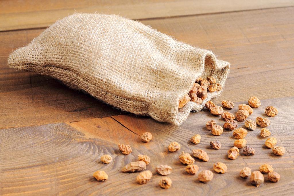 tiger nuts in bag