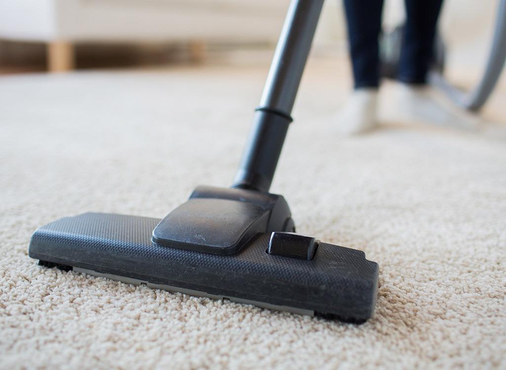 Vacuum rug