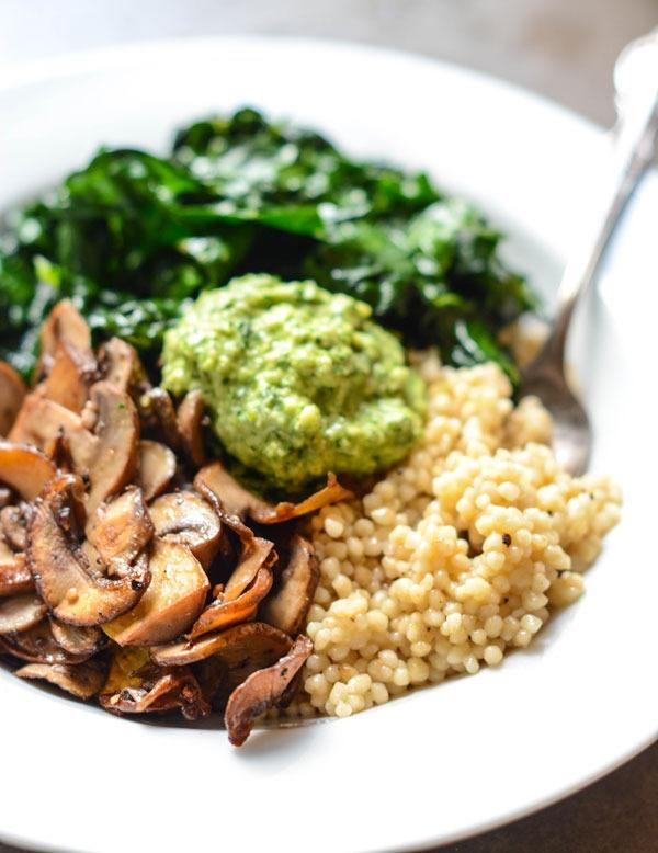 Bowls for Weight Loss vegan parsley cashew pesto
