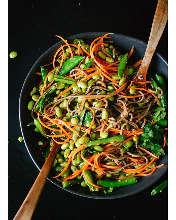 sugr snap pea and carrot soba noodles
