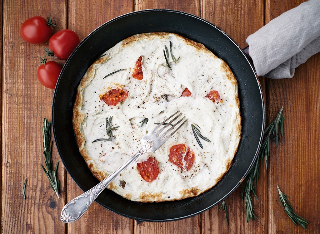 Egg white omelet with tomatoes