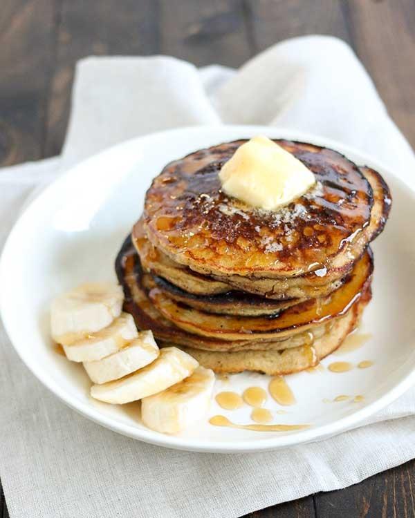 25. Honey Banana Protein Pancakes