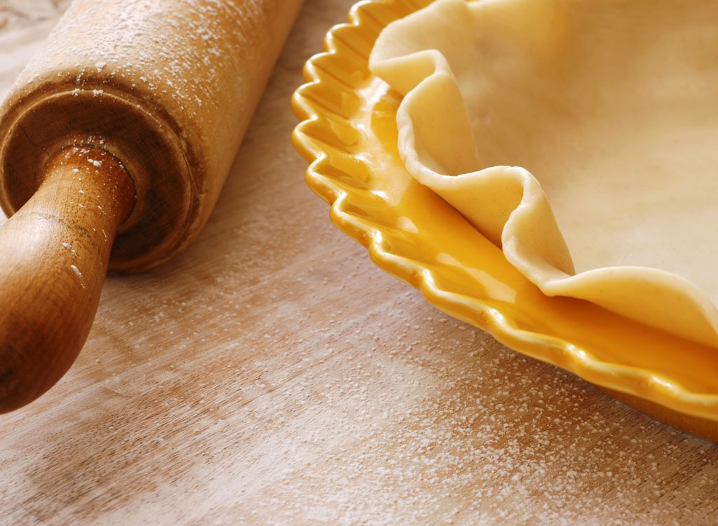pie crust and rolling pin