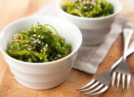 seaweed salad in bowls