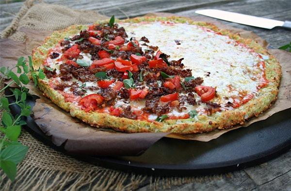 Flourless pizza zucchini