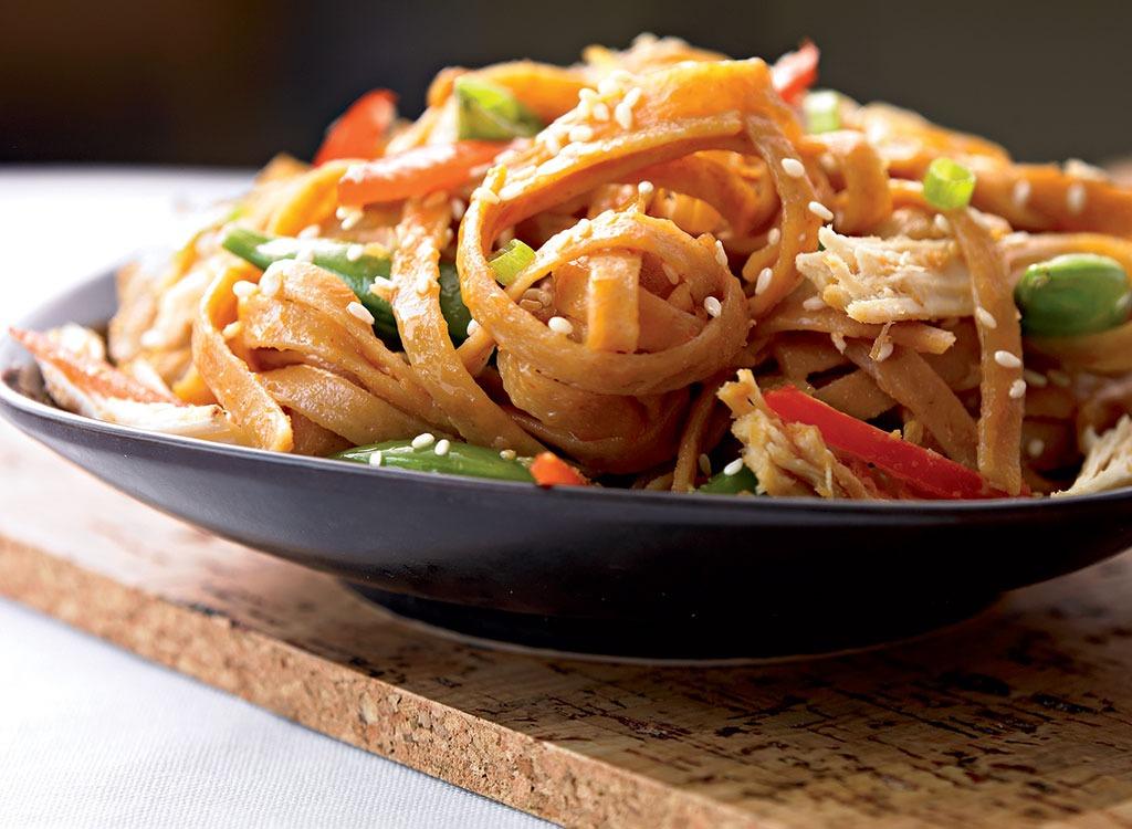 sesame noodles with turkey & peanuts