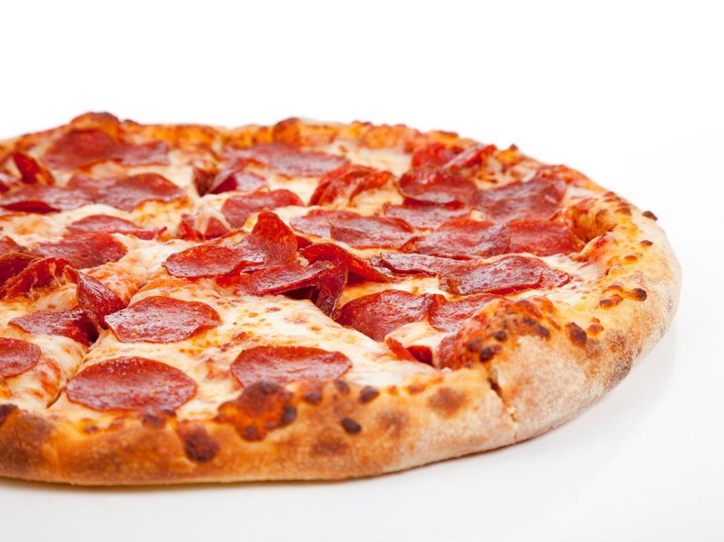 Dominos pepperoni pie