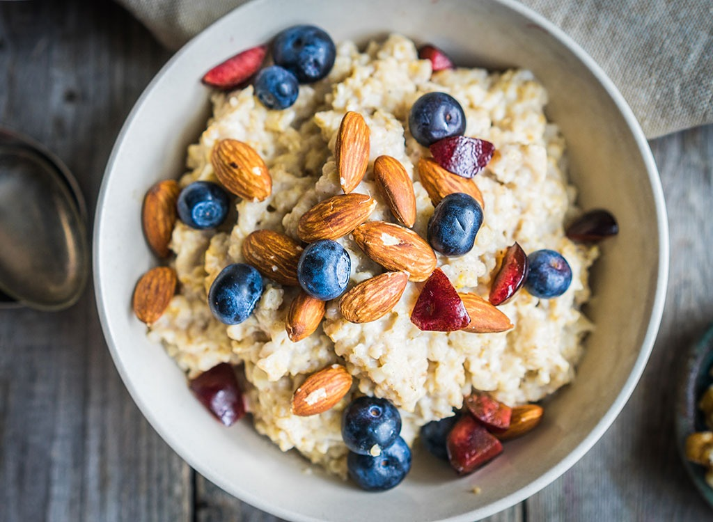 bowl oatmeal almonds berries
